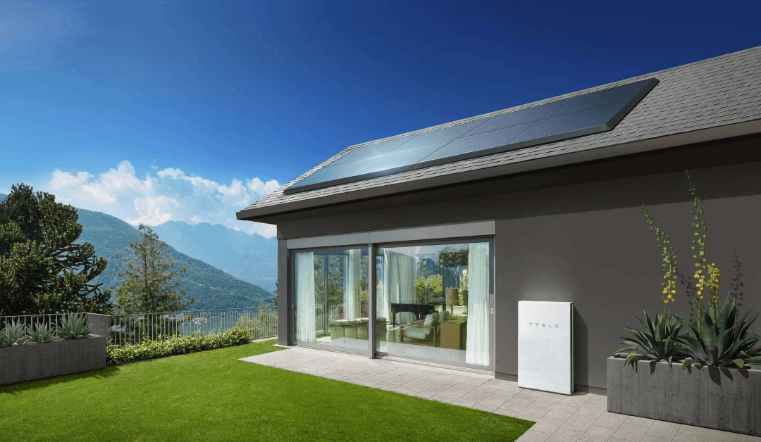 What are the advantages of the Tesla Powerwall 2 battery?